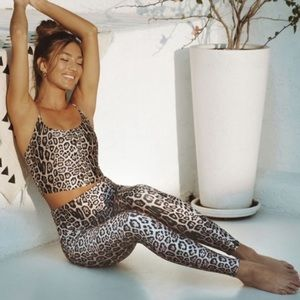 Onzie Flow Leopard Print High Waisted Leggings S/M